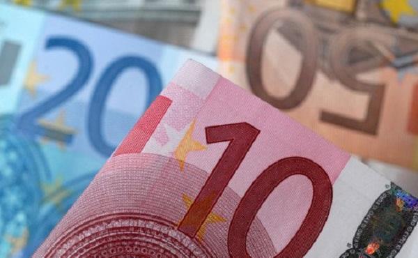 Επίδομα παιδιών: Από σήμερα το απόγευμα τα χρήματα στους λογαριασμούς