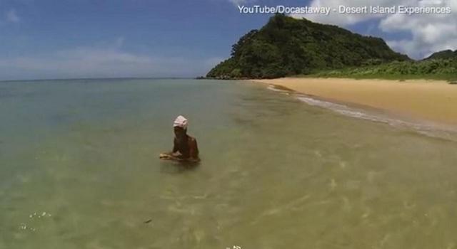 Ζούσε γυμνός σε ερημικό νησί για 29 χρόνια και τον ανάγκασαν να γυρίσει