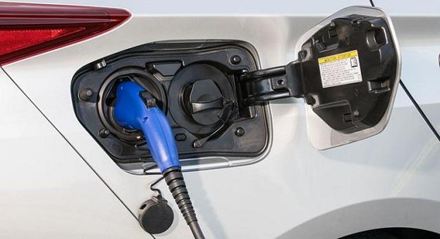 H Ιταλία θέλει 1.000.000 ηλεκτρικά αυτοκίνητα έως το 2022