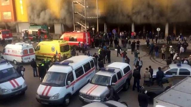 Ρωσία: Εκκενώνεται εμπορικό κέντρο στη Μόσχα μετά από πυρκαγιά
