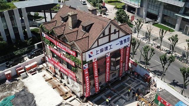 Ιστορικό ξύλινο κτήριο «μεταφέρθηκε» στην Σανγκάη και μετατράπηκε σε βιβλιοπωλείο