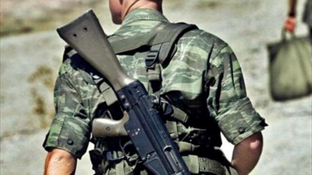 Ξεσπά η μητέρα του στρατιώτη που αυτοκτόνησε στη σκοπιά