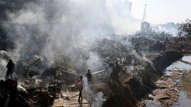 Μεγάλη πυρκαγιά με 15 νεκρούς σε αγορά στο Ναϊρόμπι