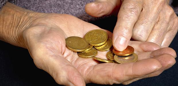 «Ψαλίδι» και στους χαμηλοσυνταξιούχους το 2019