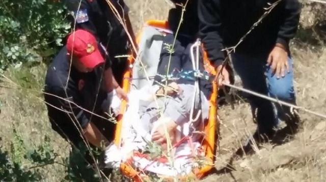Επιχείρηση διάσωσης οδηγού Ι.Χ. που έπεσε σε γκρεμό έξω από την Καλαμπάκα