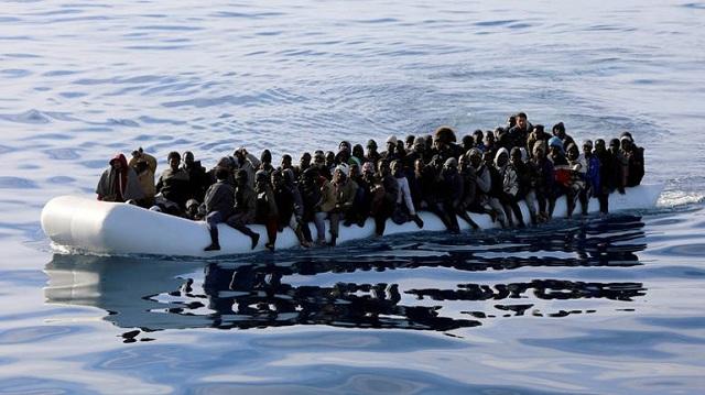 Τρία βρέφη πνίγηκαν ανάμεσα στους 100 ανθρώπους που αγνοούνται στα ανοικτά της Λιβύης