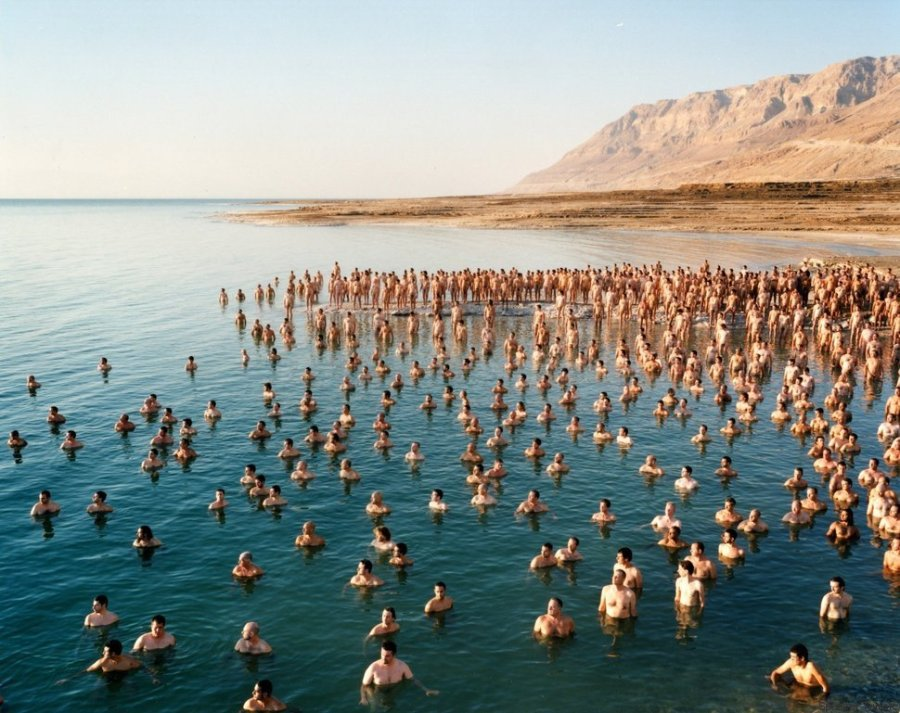 Η Νεκρά Θάλασσα που ξέραμε δεν υπάρχει πια & 1200 γυμνοί Ισραηλινοί το αποδεικνύουν