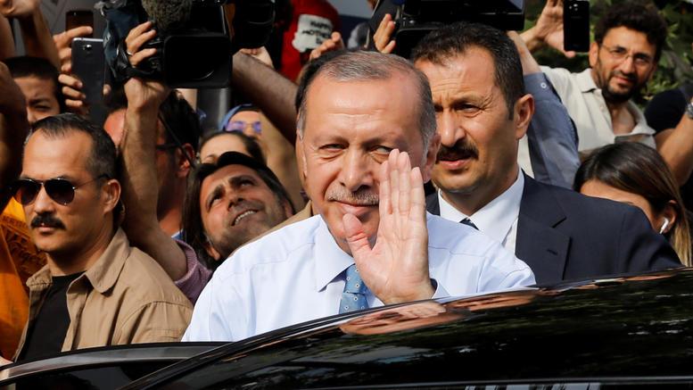 Παντοδύναμος ο Ερντογάν: Στα χέρια του και επίσημα όλες οι εξουσίες