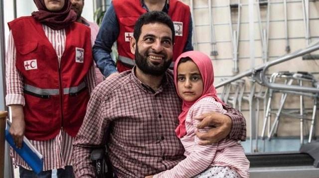 Συγκλονίζει η ιστορία μιας 8χρονης από τη Συρία: Xρησιμοποιούσε κονσερβοκούτια ως προσθετικά μέλη