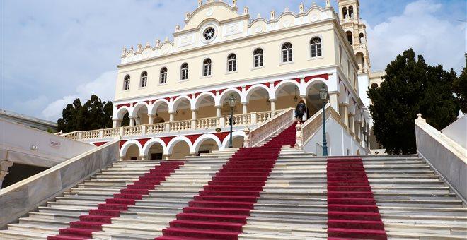 Ιερά Σύνοδος κατά ΣΥΡΙΖΑ και Ποταμιού για Ιερό Ίδρυμα Ευαγγελιστρίας Τήνου