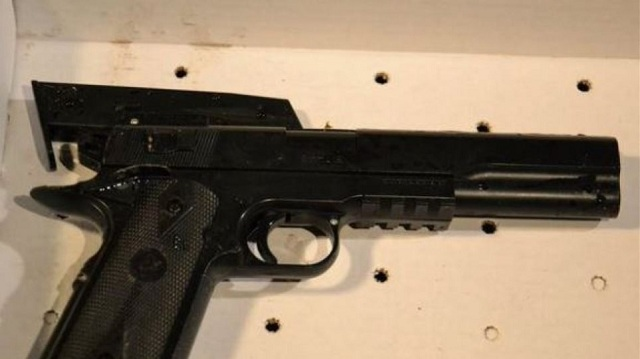 Λήστεψε 52χρονη πεζή με ψεύτικο πιστόλι
