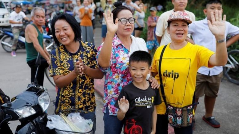 Ταϊλάνδη: Συγκίνηση και πανηγυρισμοί μετά τη διάσωση