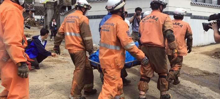 Η Ιαπωνία μετράει ακόμη τις πληγές της από τις πλημμύρες. Στους 199 οι νεκροί