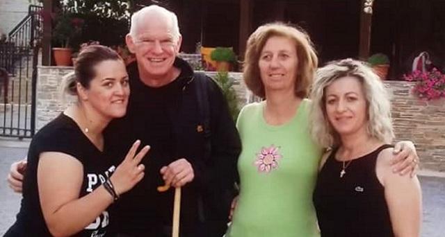 Οι διακοπές του Γιώργου Παπανδρέου στη Λάρισα, τα χαμόγελα και η επιλογή του πρ.πρωθυπουργού