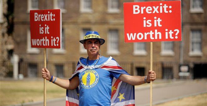 Στη δημοσιότητα η βρετανική Λευκή Βίβλος για το Brexit -Τι προβλέπει