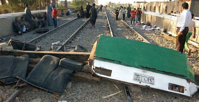 Αίγυπτος: Τουλάχιστον 55 άτομα τραυματίστηκαν σε εκτροχιασμό τρένου