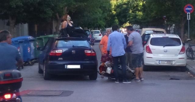 Γυναίκα προσγειώθηκε στην οροφή Ι.Χ. στην Κ. Καρτάλη