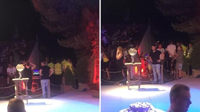 Έφοδος νεαρών στον τελικό του Survivor: Πέταξαν μπουκάλια στο κοινό