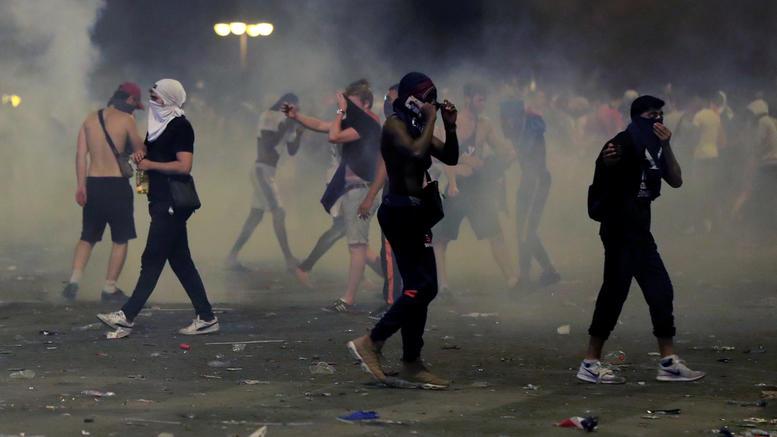 Σοβαρά επεισόδια στη Γαλλία μετά την κατάκτηση του Μουντιάλ