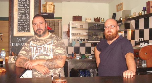 Παραδοσιακό καφενείο στην πόλη του Βόλου