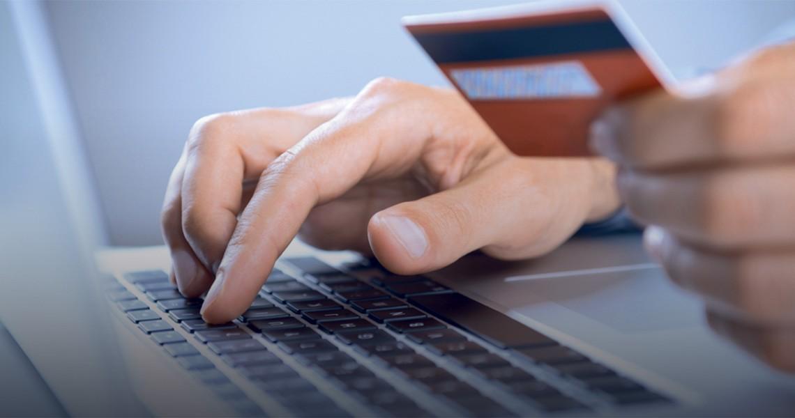 Προσοχή στις ηλεκτρονικές σας συναλλαγές: Τι να κάνετε για να μην πέσετε θύματα επιτήδειων