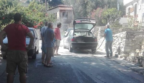 Αυτοκίνητο πήρε φωτιά δίπλα σε αποθήκες με καύσιμα στις Μηλιές