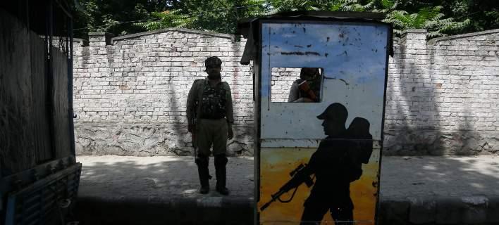 Ινδία: Συνελήφθησαν 18 άτομα για αλλεπάλληλους βιασμούς 12χρονης