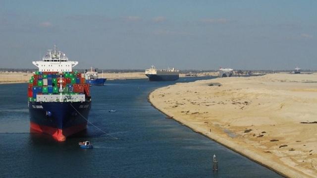 Καραμπόλα πλοίων στη διώρυγα του Σουέζ