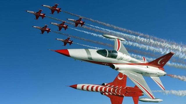 Οι Τούρκοι γιορτάζουν... την εισβολή στην Κύπρο