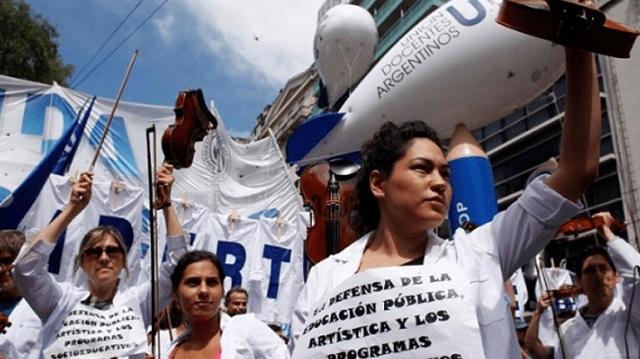 Αργεντινή: Πρόστιμο 29 εκατ. δολαρίων σε συνδικάτο που συνέχιζε τις απεργίες