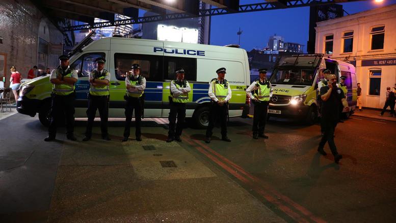 Τρεις συλλήψεις στη Βρετανία για επίθεση με οξύ σε 3χρονο αγόρι