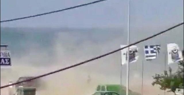 Σαρωτικό μπουρίνι στα παράλια της Λάρισας [βίντεο]