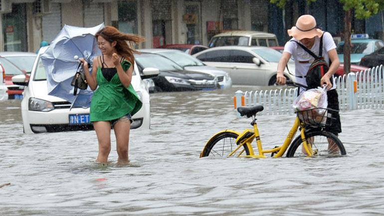 Χάος προκαλεί ο τυφώνας Αμπίλ στην Κίνα