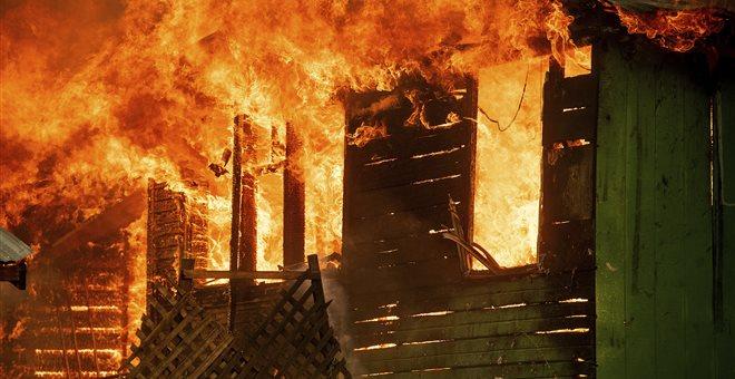 ΗΠΑ: Χιλιάδες άνθρωποι εγκατέλειψαν τα σπίτια τους λόγω δασικών πυρκαγιών