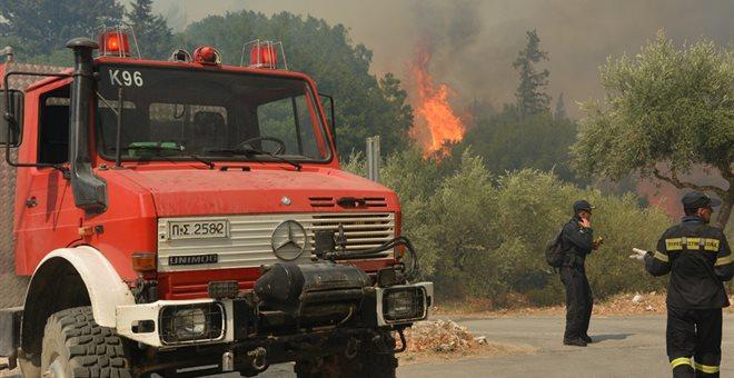 Το νεκρό 6 μηνών βρέφος στο Μάτι ήταν παιδί πυροσβέστη που «πολεμούσε» τις φωτιές
