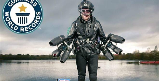 Βρετανός έφτιαξε μια δική του στολή Iron Man και κατάφερε να πετάξει
