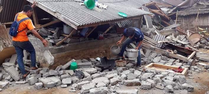 14 νεκροί από το σεισμό στην Ινδονησία -Εκατοντάδες αποκλεισμένοι ορειβάτες [εικόνες]