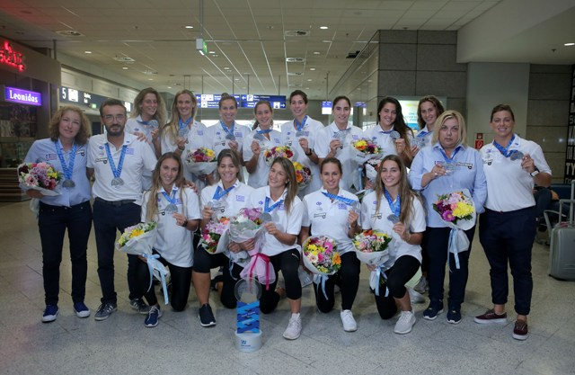 Επέστρεψαν στην Ελλάδα οι ασημένιες πρωταθλήτριες Ευρώπης