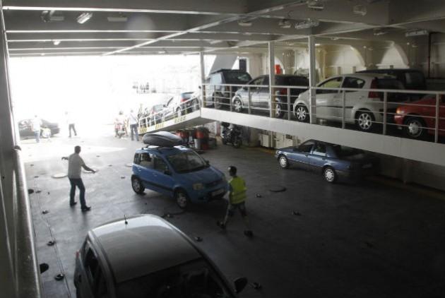 Βρήκε το κλεμμένο αυτοκίνητό του μέσα στο γκαράζ πλοίου