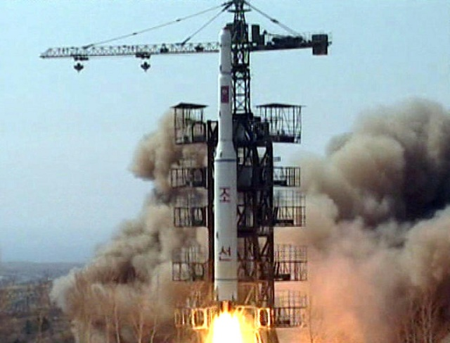 Νέους βαλλιστικούς πυραύλους ετοιμάζει ο Κιμ που μπορούν να χτυπήσουν τις ΗΠΑ