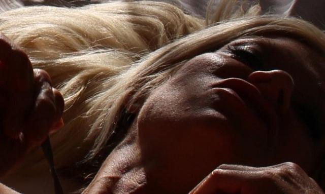 Νυχτερινή εφίδρωση: Τι μπορεί να σας συμβαίνει αν ιδρώνετε το βράδυ που κοιμάστε
