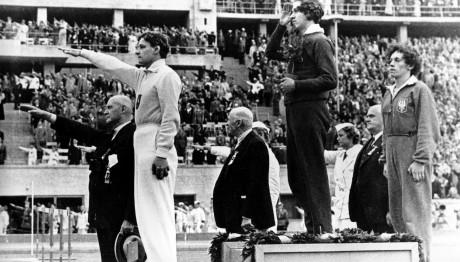 Η χρυσή Oλυμπιονίκης που αποδείχτηκε ότι είχε ανδρικά γεννητικά όργανα