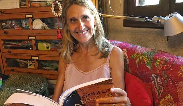 Μεταλαμπαδεύει την ιστορία της Ελλάδας Βελεστινιώτισσα