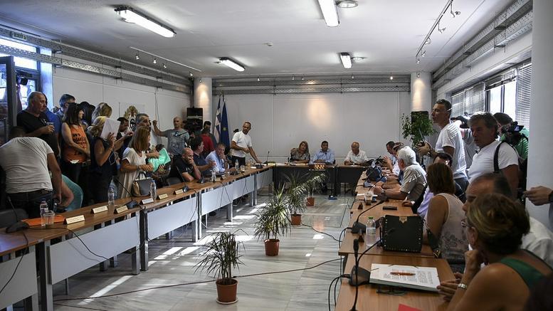 Νέες βολές σε Ηλία Ψινάκη από το Δημοτικό Συμβούλιο Μαραθώνα