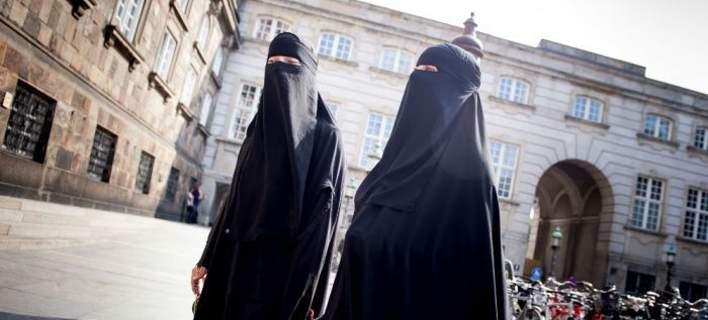 Το πρώτο πρόστιμο σε γυναίκα που φορούσε μπούρκα δημοσίως στη Δανία
