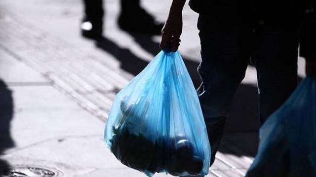 Αυστραλία: Οι δύο μεγαλύτερες αλυσίδες σούπερ μάρκετ σταμάτησαν να χρεώνουν τις πλαστικές σακούλες