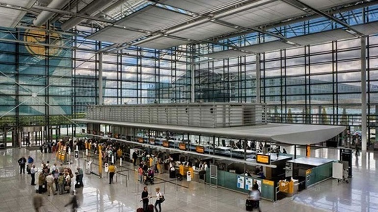 Εκκενώνεται το αεροδρόμιο της Φρανκφούρτης (εικόνες)