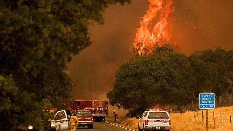 Μαίνεται η πυρκαγιά στο Μεντοτσίνο, η μεγαλύτερη στην ιστορία της Καλιφόρνια