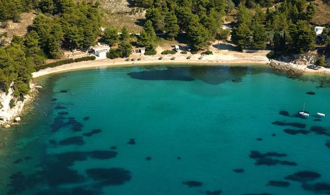 Αλόννησος: Οι παραλίες Μηλιά και Γλύφα προσβάσιμες σε ΑμΕΑ