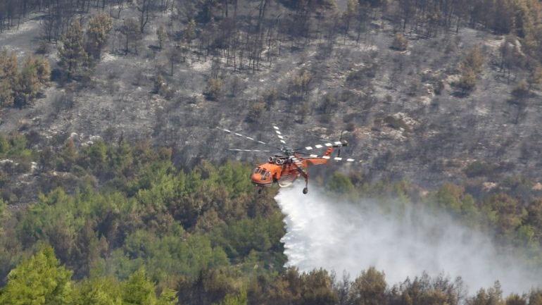 Ζάκυνθος: Σε πλήρη εξέλιξη οι πυρκαγιές σε Κοιλιωμένο και Μαχαιράδο